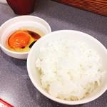 麺や たけだ - ごはん小と蘭王卵♡¥100・¥100
