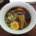里龍 - 料理写真:醤油ラーメン