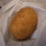 ブランジェ浅野屋 - 料理写真:モツァレラトマトパン