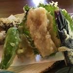 水芭蕉 - 天ざるそば1,480円の天ぷらのアップ