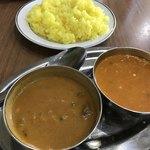 本格インド料理 Asian Curry SPARSH - ナンを食べ切っても、カレーはこんなに
