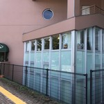 フォークス - 市民会館の2階にあります