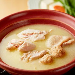 コク旨スープの博多水炊き