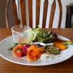 カフェヒュッテ - 前菜の盛り合わせ