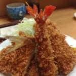 とんかつ山家 - ミックス定食(850円)