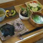 お菓子とお茶 モモトセ - おにぎりセット