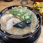 宮崎とんこつラーメン 風来軒 - 料理写真:とんこつラーメン750円(税込)