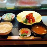 鶴べ別館 - 唐揚げ定食       ¥900