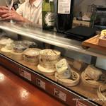 ターヴォラ サンイチマル - チーズのショーケース