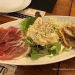 ターヴォラ サンイチマル - 前菜盛合せとガーリックトースト