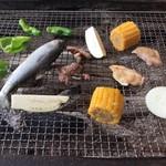 養老渓谷釣堀センター - 料理写真:バーベキューニジマスと牛肉の各セット