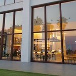 S.DINING【CAFE&BAR】 - 庭から見たS.DINING