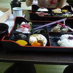 かつら - 川床で食べる塩鮎弁当3500円