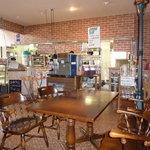 かまやカフェ・デュ・レヴァベール - オシャレな店内。