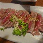 餃子小舎喜口 - 牛のタタキ~わさび醤油で(600円)