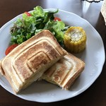 Cafe' 西ノ森 - 料理写真:マヨタマホットサンド(1,200円)