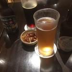 90985069 - クラフトビールでカンパイ