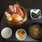 斎春 - 齋春の復興丼(2500円)