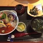 90986213 - 海鮮丼(上)です