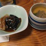 蛇の目寿司 - 冷製茶碗蒸しになすとコンニャクの炒め煮?