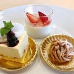 パティスリーポム - 3皿目@レアチーズ、杏仁豆腐、モンブラン