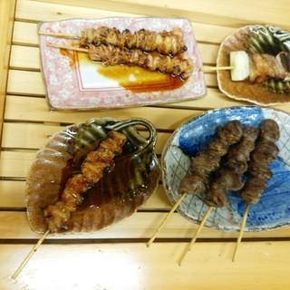 1本1本ていねいに焼き上げた本格派◆串焼きも味わい深いです
