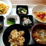ボンサルーテ・カフェ - 二皿めは和食系で