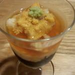 sushidokorokitanohana - ウニと長芋ともずくの和え物