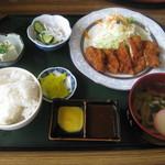 ちるちるみちる - 料理写真:チキンカツ定食(780円)