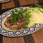タイの食卓 パクチータイ - タイ風豚肉焼きサラダ(1180円)