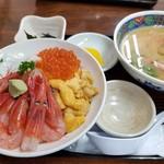 食堂うしお - うしお丼スペシャル(2,000円)+濃厚えび汁(クーポン利用で0円)