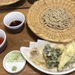 91027981 - 天ぷらとお蕎麦 ¥1600 蕎麦は白