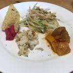91027985 - 天ぷらとお蕎麦 の野菜プレート