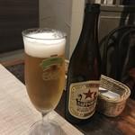 ブルスケッテリア デッリ アルティスティ - 瓶ビールで始めます