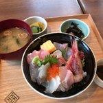 kyoutangochisanshokudouajikouboukaisenhisami - 海鮮丼♪