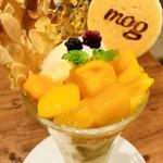 mog - 完熟マンゴーの南国パンケーキは、マンゴーがとても甘いからホントとろけそうな食感と味☆