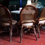 ランプ城 - 静寂を奏でる椅子たち。