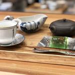 茶菓 えん寿 - 釜炒り茶と上生菓子のセット800円+税('18.8月中旬)