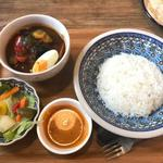 Gallery Cafe & Curry 紅屋 - ビーフ野菜カレー                             (カレー+ライス&チャパティ+サラダ+珈琲orチャイ+デザート)