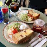 クールカフェ 究極ハンバーグと鉄板フレンチトーストのお店 - モーニングセット