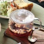 クールカフェ 究極ハンバーグと鉄板フレンチトーストのお店 - TEAT / ストロベリー(400円)