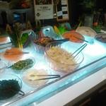 Fesutagaden - サラダコーナー