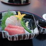 烹祥庵 - ■造里 本日の鮮魚二種 あしらい一式