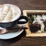 レリーサ 雑貨&ダイニングカフェ - ドリンク写真:子供が頼んだハチミツラテ