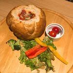 チーズとお肉の個室バル YOKUBALU - シカゴピザ