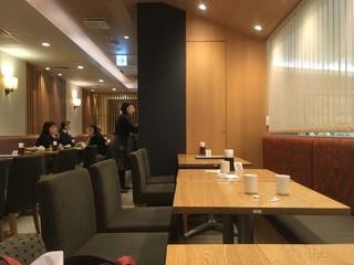 京都 つる家 茶房 ヒルトンプラザイースト店