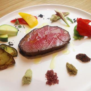 名物!肉の宝「京丹波平井牛」厚切りローストビーフ