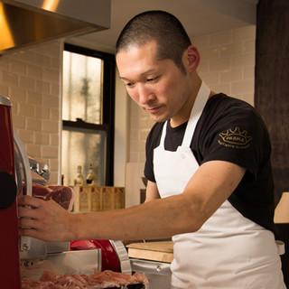 高橋隼人氏(タカハシハヤト)―食の都パルマ伝統の味を追及する