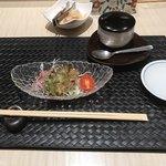 鮨・割烹 花絵巻 - サラダと茶碗蒸し!