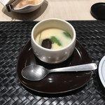 鮨・割烹 花絵巻 - 茶碗蒸し!       具材は定番のやつです!